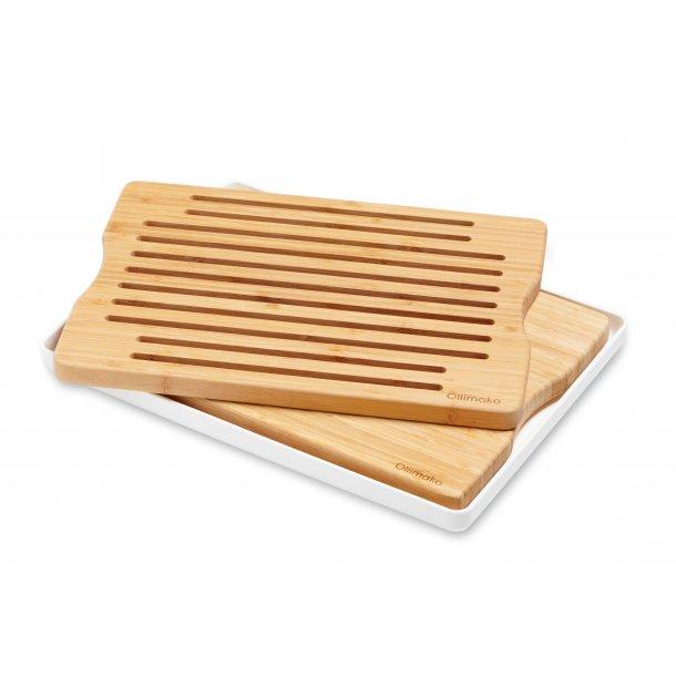 Kombi sæt skære- og brødbræt i bambus med hvidt opsamlingsfad.